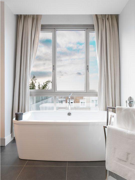 Baño Suite Penthouse Hotel Ercilla Bilbao