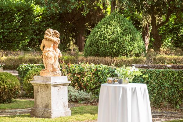 jardin-exterior-Palacio-San-Miguel